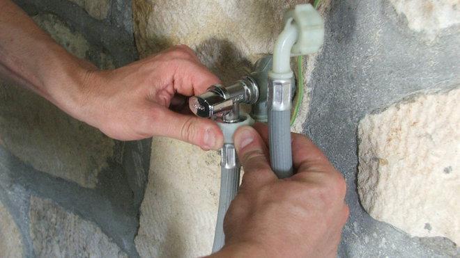 Changer robinet arrivée d'eau lave linge