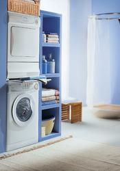 Salle de bain avec lave linge et seche linge